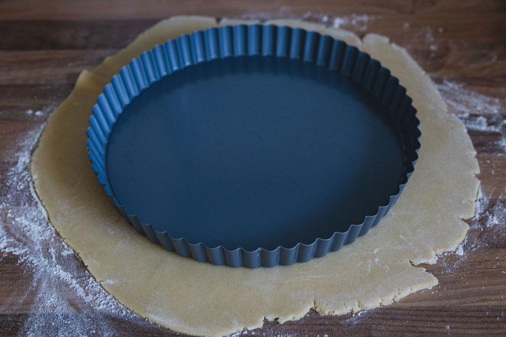 line the tart pan